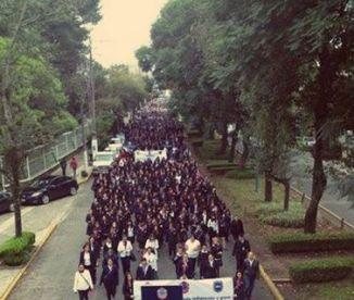Por la dignidad y unidad normalista, marcha en Xalapa, Ver.
