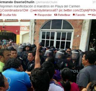 Reprimen manifestación de maestros en Playa del Carmen
