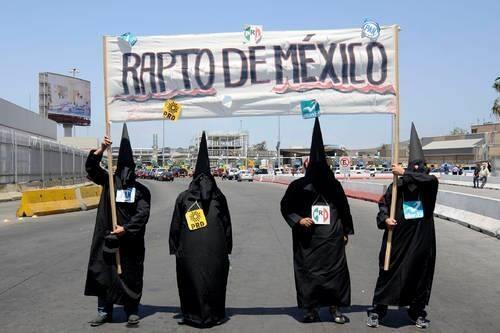 México ha sido raptado: autores materiales e intelectuales impunes.